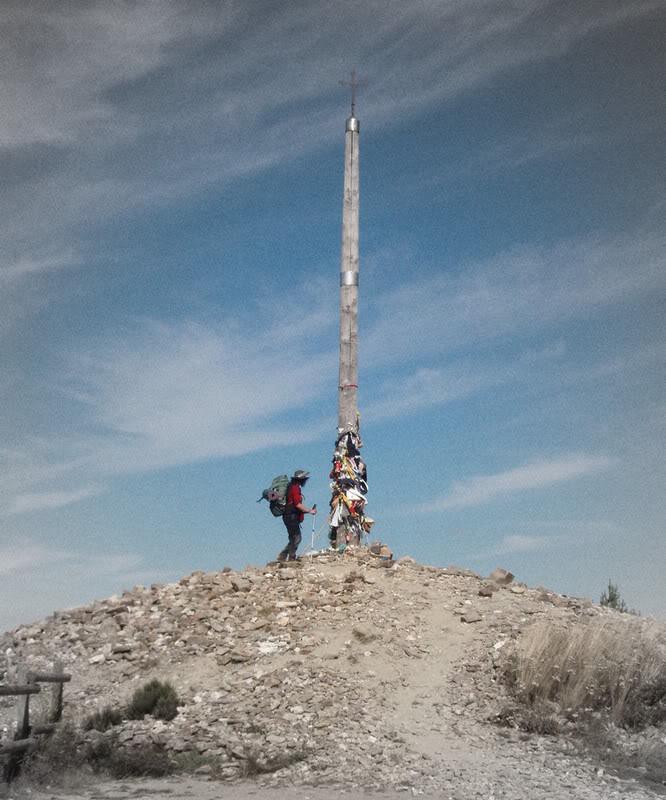 Cruz de ferro en el Camino de Santiago