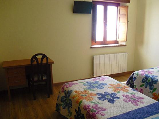 habitacion5-hostal-la-candela-rabanal-del-camino